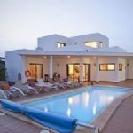 Villa with 4 bedrooms and Pool - Playa Blanca
